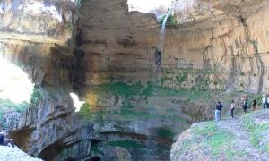 まるでファンタジーなレバノンにある美しい滝
