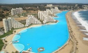 全長1013メートル!チリにある世界最大の超巨大プール