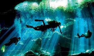 メキシコの大自然が作り出した幻想的な水中洞窟「セノーテ」
