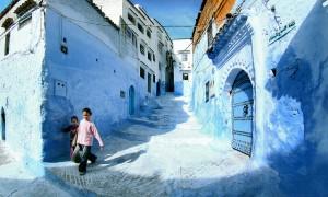 おとぎの国に迷い込みそうな青で彩られた街『シャウエン』