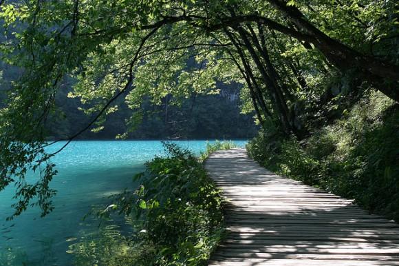 1518371434 12c945c676 z 580x386 これが本当の美!クロアチアの美しすぎる滝 プリトヴィツェ湖群国立公園 でも地雷が埋まっているかも