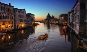 ロマンス溢れる美しい街並みを誇るイタリアの水の都『ヴェネツィア』