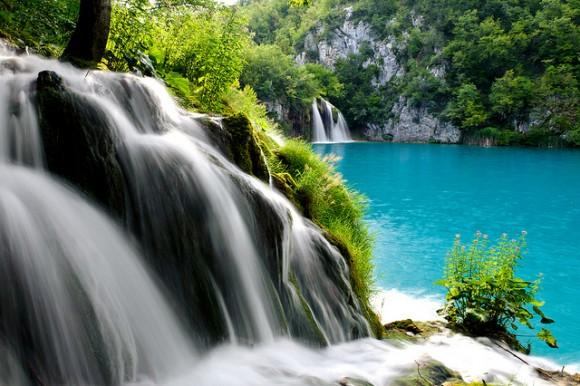6237175472 fc8e21d9b3 z 580x386 これが本当の美!クロアチアの美しすぎる滝 プリトヴィツェ湖群国立公園 でも地雷が埋まっているかも