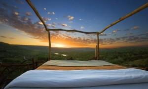 ケニアの壮大な星空を見上げるロイサバホテルの『スターベッド』