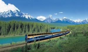 地球の歴史を物語るカナダの雄大な山脈「カナディアンロッキー」