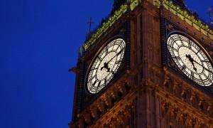 人知れず時を刻み暮らしを見守り続ける世界の美しい時計塔