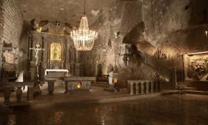 世界最初の世界遺産!ポーランドの地下300mに広がる『ヴィエリチカ岩塩坑』