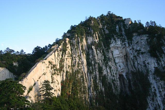 12 まるでフィクションの光景!恐怖! 中国 華山の道!