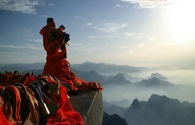 17 まるでフィクションの光景!恐怖! 中国 華山の道!